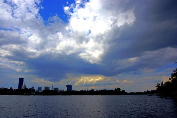Wolkenstimmung-alte-donau-fake-hdr